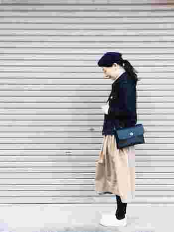 クラシックな装いが秋の気分♪ベレー帽に丸メガネ…いつものコーディネートに小物を+α