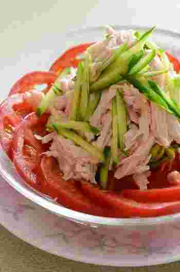 ヘルシーな鶏胸肉でしっとりさっぱり、ゴマダレとの相性も抜群。女性にも嬉しい中華料理です。