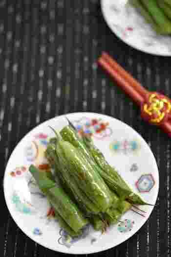 生姜醤油に漬け込んだシンプルないんげんのおひたしは、夏向きのおかずのひとつ。冷蔵庫で冷やしていただきましょう。