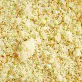 栄養価の高い全粒粉。けれど、独特のにおいが気になるという人も多いはず。そんなときには、アーモンドプードル(アーモンドパウダー)を一緒につかいましょう。ほのかなアーモンドの良い香りが、全粒粉の気になるにおいを消してくれます。