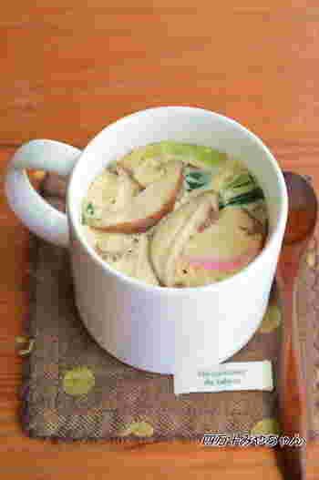 一人分づつ作れる茶碗蒸しは、とってもお手軽で、作る工程もとっても簡単です。蒸し器もいらない、味付けもめんつゆだけなので、食べたい時にスグ作れるのが魅力的!