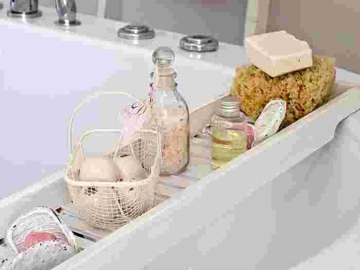爽やかな朝日の中で入るお風呂は、格別の時間。パックやマッサージなど、スペシャルなスキンケアも心に余裕がある朝ならじっくりできます。朝パックは、化粧のモチと化粧ノリが抜群に良くなるという嬉しい声も! 朝専用パックも発売されているので、利用するのも良いですね。