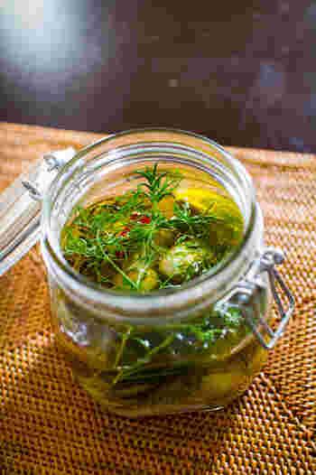 コンフィは保存のきく料理です。食べきれず保存したい時のために、密封できるびんを用意しておきましょう。