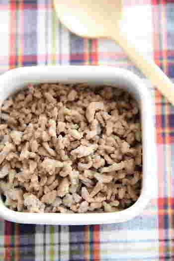 塩麹でつくるシンプルなそぼろ。 そぼろご飯にも、オムレツにも合います。