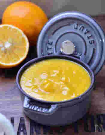無農薬レモンを使い、砂糖に甜菜糖も組み合わせたこだわりのヘルシーレモンカードレシピ。甘さ控えめなところも特徴です。