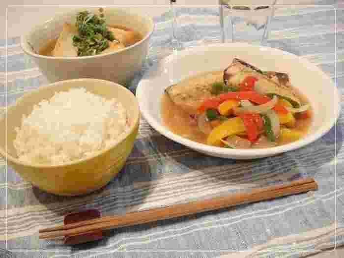 シンプルなあんかけのレシピです。 あつあつのあんかけは体も心も温まりますね。 厚揚げはレンジで温めても、フライパンやオーブンで焼いてもどちらも美味しいです。