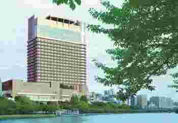 こちらのホテルの特徴として、大阪・夏の風物詩である「天神祭」の花火を楽しめる部屋や宿泊プランがあります。ホテルの部屋でリラックスしながら花火を楽しむのもおすすめですよ。他にも帝国ホテルならではの様々な天神祭を楽しむプランも用意されています。