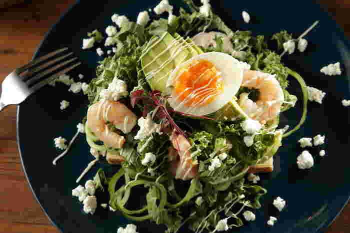 おすすめは「ランチで旅する世界のごはん」。月替わりどんぶりや、季節のスモーブローは野菜中心でとてもヘルシーです。