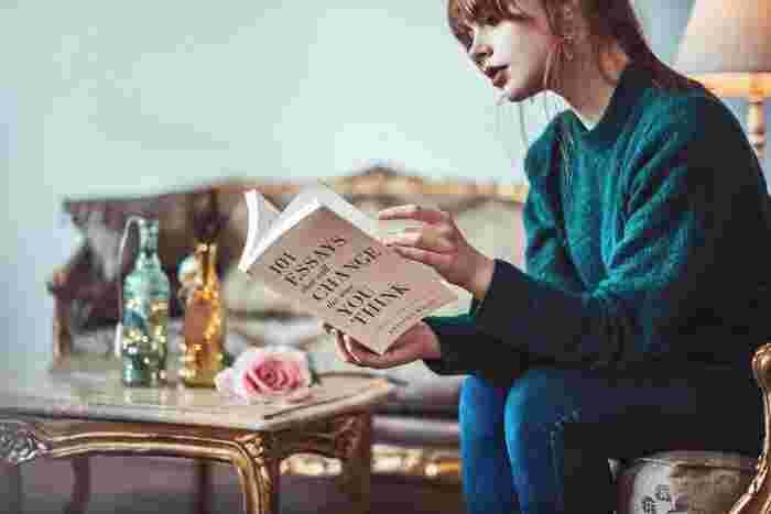 これまで忙しくて読めなかった本を、お出かけしたくない雨の日に一気に読んでしまいましょう!最近は「Kindle」のような読書アプリもありますので、欲しい本は今すぐにでもスマホで購入して、新しい価値観や知識、知らない世界に触れてみるのもおすすめです。