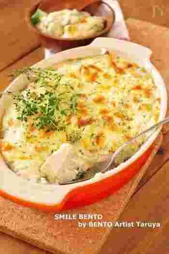 厚揚げを和風仕立てのグラタンに。ホワイトソースではなく、すりおろした長芋を使ってトロトロに仕上げています。簡単なのに見栄えするので、おもてなし料理にもぴったりです♪