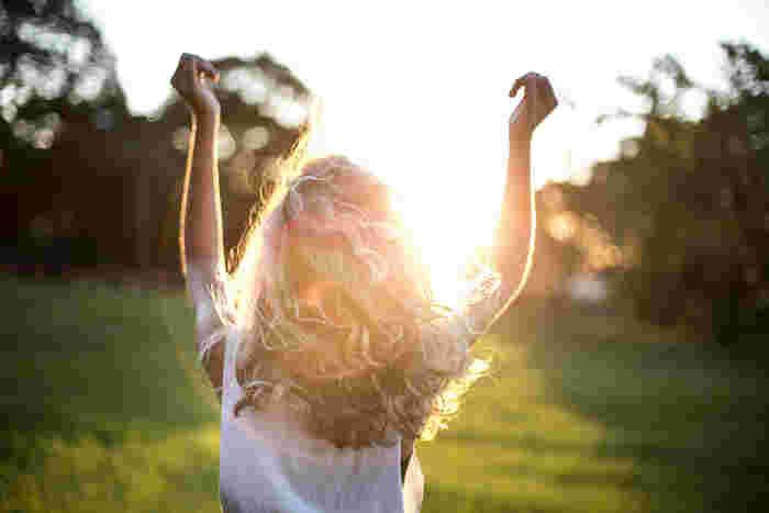 ストレスを溜めずに過ごすヒントをご紹介しました。いかがでしたか?少し気持ちが軽くなったり心が晴れやかになったりしましたか?ストレスは大小あっても誰でも抱えているもの。特別なものでもありません。普段の日常の何気ない心がけやおこないひとつでストレスは随分と軽くなります。ストレスなんて軽く吹き飛ばしましょう☆