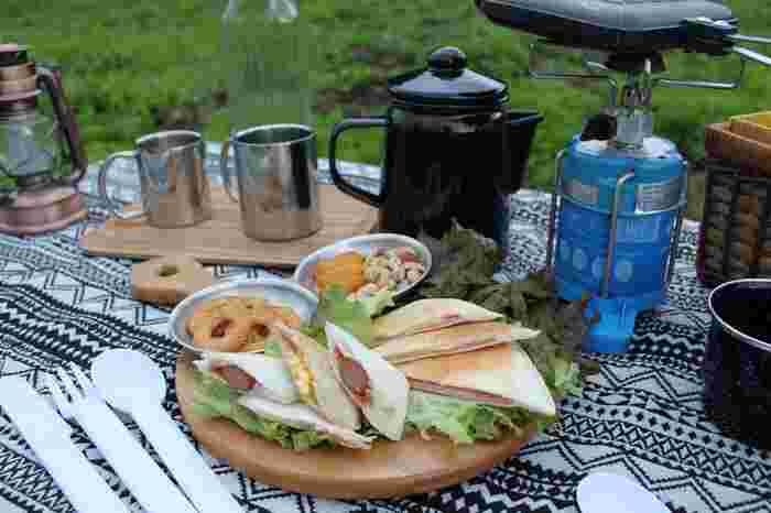 ワンバーナー体験ができる「アウトドア・クッキングランチ」が楽しめるエリアも。 広々とした芝生が美しいお庭。ピクニック気分でランチタイムを過ごすのも、楽しそうですね♪