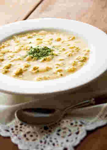 ミルファンティとは、味わいもお腹にも優しい洋風卵スープのこと。パン粉が入っていることで、ちょっと小腹が空いた時や夜食にも◎です。