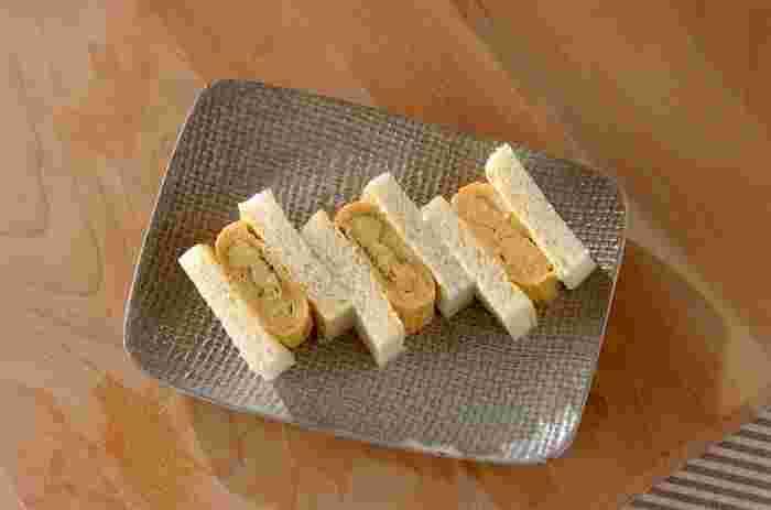 ふわふわのだし巻き卵を食パンでサンド。どこか懐かしいけど新鮮なサンドイッチの出来上がり♪