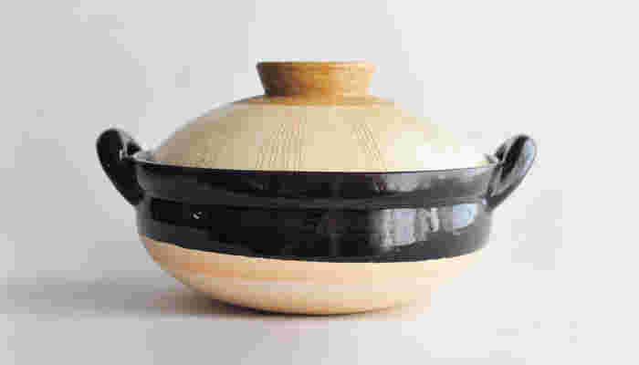 肉や魚の余分な脂は落として、お野菜のうまみや栄養はグっととじこめる「蒸し料理」を楽しむ「ヘルシー蒸し鍋」です。