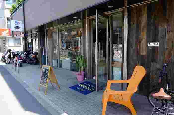 桜新町駅から徒歩7分の所にあるこちらのお店。落ち着いた雑貨店のような外観が特徴です。朝はなんと8時から営業していて、モーニングを楽しむことも出来ます。早起きして足を運んでみても良さそうですね。
