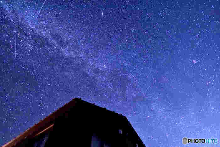 唐松岳頂上山荘から見た星空。都会では、なかなか見る事の出来ない美しい星空。思わずシャッターを切りたくなりますね☆