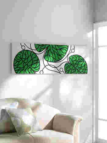 窓際に、グリーン代わりのグリーンなファブリックパネルを。 大きな蓮の葉をモチーフにしたBOTTNA (ボットナ)は、ナチュラルなお部屋にも馴染みます。