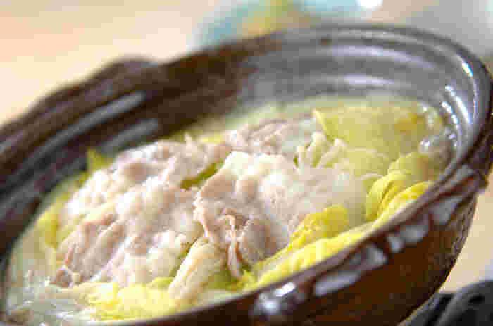 牡蠣には「亜鉛」がたっぷり入っているので、美髪を期待することができます。お鍋なら野菜もたっぷり摂れ、体も温まるので一石二鳥以上の効果を感じることができそうですね。