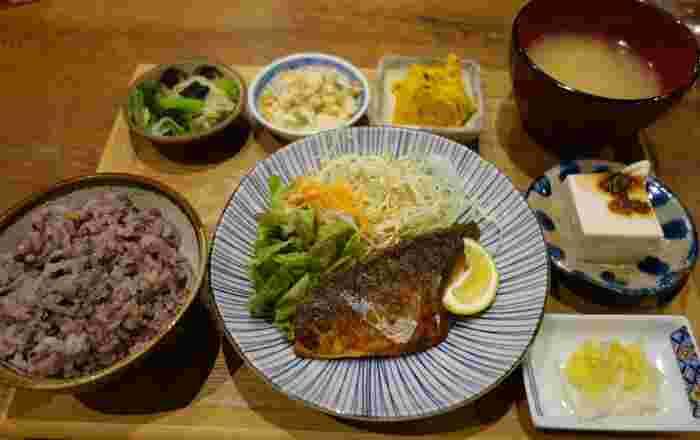 『本日のご飯セット』は、ランチタイム/ディナータイムどちらにも提供されています。晩ごはんを召し上がった方の感想は。