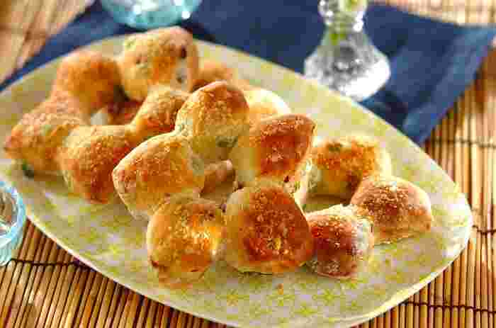 【夏の星形パン】 枝豆とドライトマトの入ったプロ顔負けのパン。 星型も可愛い♡ 元気をたくさんもらえそうな朝食にピッタリなパンです。