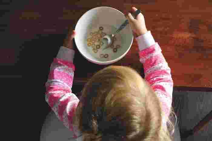 「食べる」ということは、生きていく上で欠かせない、とても大切なこと。お子さんが誕生し、すくすくと育っていくためにも食事の時間は大切にしたいものですよね。