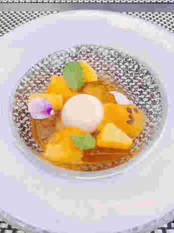 デザートの盛り付けも趣がありますね。特別な日には優雅な空間と美味しいお料理で、自分へのご褒美はいかがでしょうか?