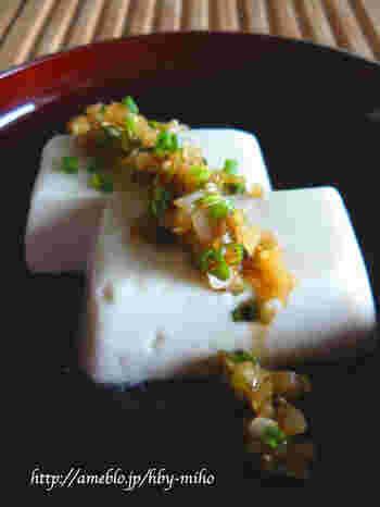 ザーサイやネギを刻んだ中華風のピリ辛だれもおすすめです。 さっぱり食べられると評判♪