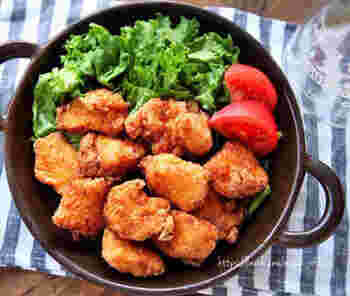 焼肉のたれで下味をつける超簡単から揚げのレシピ。漬け込み時間はたったの5分、しかもフライパンで揚げ焼きで作れるから時短に。