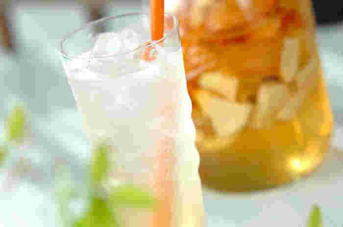 りんごと爽やかなグレープルルーツを掛け合わせた、フルーティーな甘みと爽やかな香りが楽しめるビネガーです。