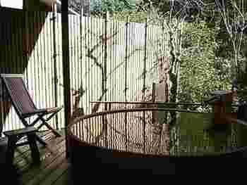 伊豆修善寺で最も売れた人気No.1のお宿です。修善寺の自然をいっぱい感じられる露天風呂と貸切風呂があります。
