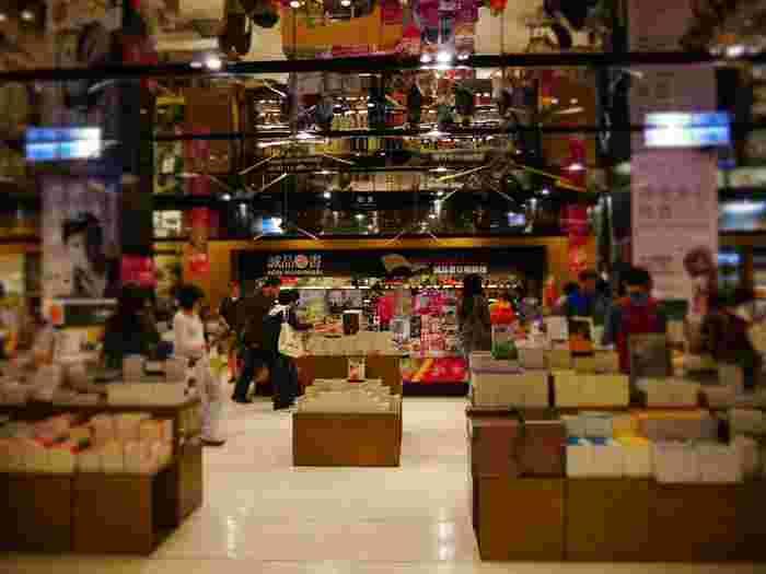 書籍はもちろん、ハンドメイドの雑貨やバッグ、コスメなど幅広いアイテムが販売されているため、長時間いても全く飽きません♪  雑貨好きさんや本屋さんの雰囲気が大好きな方はぜひ訪れてみてくださいね。