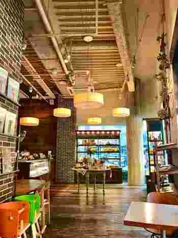 いかがでしたか?今回ご紹介したカフェは、一人でも友達と一緒に行っても、どんなシーンにも使いやすいカフェばかり。博多を訪れたら、ぜひ立ち寄ってみてくださいね♪