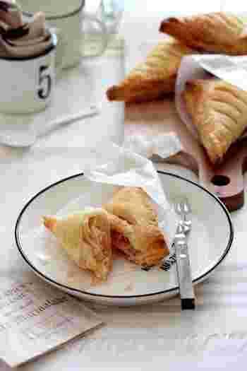 ハムと卵は朝食やブランチにぴったりの王道の組み合わせ。サンドイッチでも美味しいですが、パイで包むとちょっぴり贅沢な朝食に♪