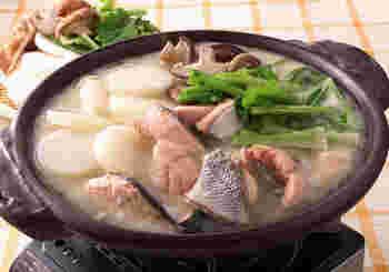 石狩鍋にも酒粕はピッタリ。まろやかさを加えながら栄養価もUP!こちらも寒い冬に嬉しい、体の芯から暖まる一品です。