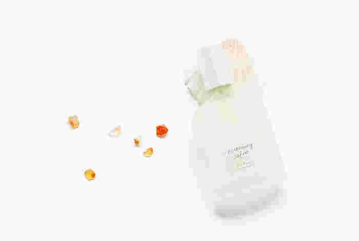 きつい香水は苦手だけど、爽やかなみずみずしい香りは好き。「夏の香り」は、そんな人にピッタリな爽快感を感じるフレッシュな香り。強すぎない香りものや自分で作るサシェの作り方をご紹介します。