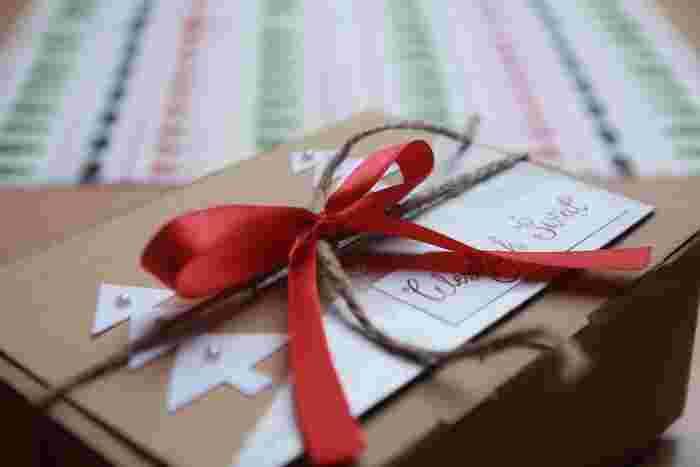 大切なクリスマスの手紙には、パールをつけたツリーで可愛くデコレーション。