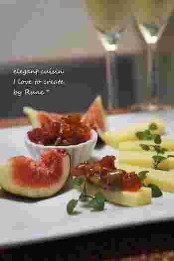 ちょっとしたおつまみにもピッタリ!ドライフルーツとチーズの組み合わせ。フレッシュないちじくも一緒に添えて 味と食感を変えることでずっと食べ続けたくなる一皿に。