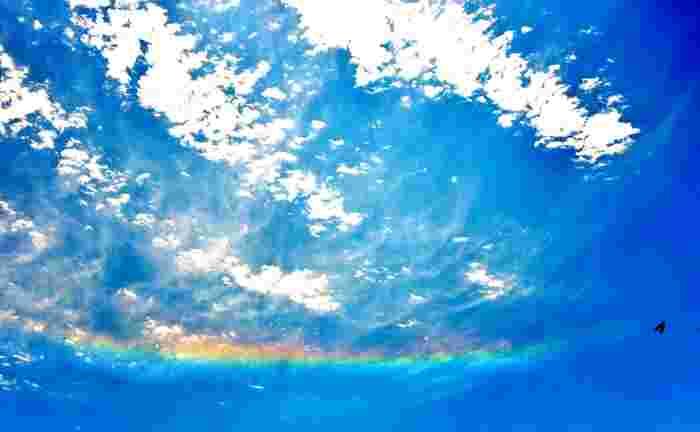 宇宙から応援されている。そんな気持ちにさせてくれる雲ですよね。新しいことを始めた時や迷いがある時などに表れてくれると、さらにそのメッセージを強く感じることができそうです。