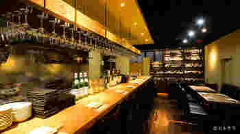 清澄白河駅から徒歩1分ほどのところには、深川ワイナリー直営のワインバル「九吾郎ワインテーブル」も。こちらでゆっくりとワインと食事をいただくのもいいですね。