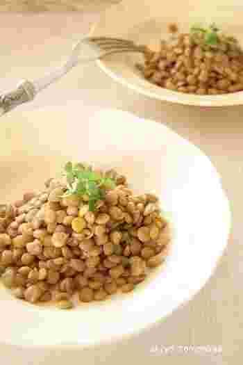 栄養豊富なレンズ豆もマリネにしちゃいます。そのままでももちろん美味しいのですが、ベビーリーフやトマトに絡めてサラダにしても使えます。作っておくと便利なレシピです。