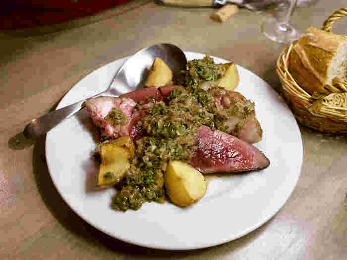 現在、着々とジビエ料理が食べられるお店が全国各地に増えています。ジビエ料理といっても、和風、フレンチ、北欧料理など、バラエティに富んでいるので飽きることはありません!  是非この冬は、空前の大ブームのジビエ料理を楽しんでみませんか?