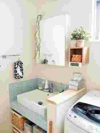 サニタリーにリネンフレッシュがあれば、洗濯の際にとても便利。飾り棚に置いても、洗面台の近くに置いても◎。