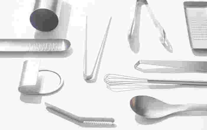 例えば、使いやすいフライパンだったり、手にしっくりと馴染む包丁だったり… 日々のお料理の時間をスムーズにするために欠かせないのが、キッチンツールの存在ではないでしょうか。みなさんのキッチンにも、何年も使い続けているお気に入りの道具がありますか?