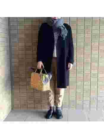 ノーカラーコートは、いろんなマフラーやストールが楽しめるので、差し色やアクセントにいろいろ欲しくなっちゃいますね。