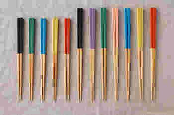 箸を選ぶポイントは色々ありますが、一番大切なのが「長さ」です。手の大きさとのバランスが取れている物でないと、食べにくい事も。