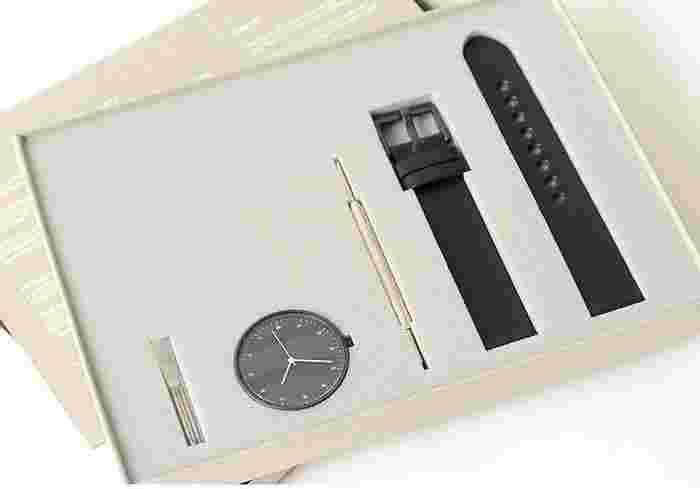 この腕時計の最大の特徴は、「自分で組み立てる」という点。ベルトと盤面を自ら組み立てることで、毎日使いたくなる最愛の腕時計になってくれるのではないでしょうか。