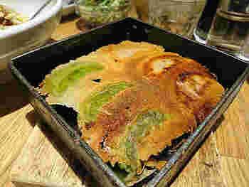名物の「羽根餃子」は、すべて手作り。数種類ある餃子は、どれもニンニク不使用で、下味をつけているのでタレやラー油なしでもそのままいただけます。