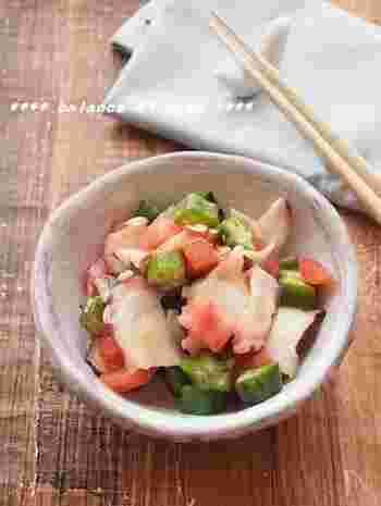 続いては、タコ、オクラ、トマトの和風サラダ。ポン酢とオリーブオイルで味付けされていて、和食にも洋食にも合うサラダです♪簡単なのに栄養もしっかり摂れます*