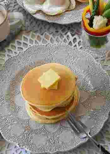 甘さ控えめのお食事系パンケーキは、どんなトッピングとも相性バツグン。朝食にもピッタリです。